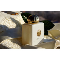 LC73- Honour Woman Amouage